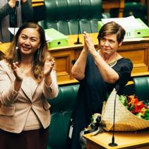 紐西蘭通過家暴新法,讓受害者可請 10 天有薪假