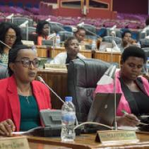 盧安達女性議員取得 67.5% 的席次,打破世界紀錄