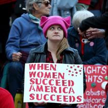 加州簽署通過要求上市公司董事會成員須有女性