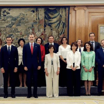新內閣女性佔 6 成,為全球之冠