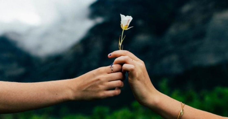 世上沒有一輩子的熱戀,也沒有完美的親密關係