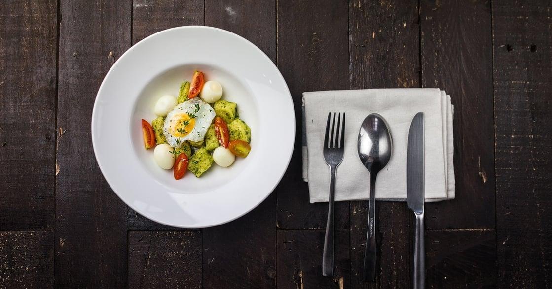 【獨處練習】跟自己約會,多久沒有慢慢吃一頓飯了?