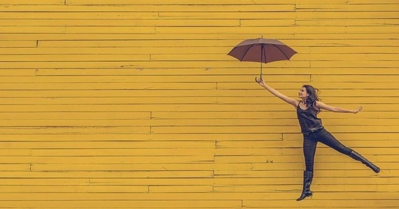 【心理測驗】從妳穿上身的顏色,測出妳職場的柔情魅力