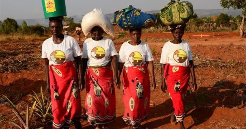非洲農村媽媽的「女力」:不需要名牌包,一只塑膠袋夠裝我所有