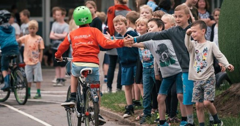 全世界最快樂國家丹麥的祕密:一週一小時同理心課程