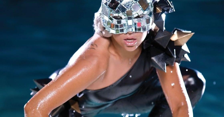David Bowie 啟發了我!怪物之母 Lady Gaga 的穿搭哲學