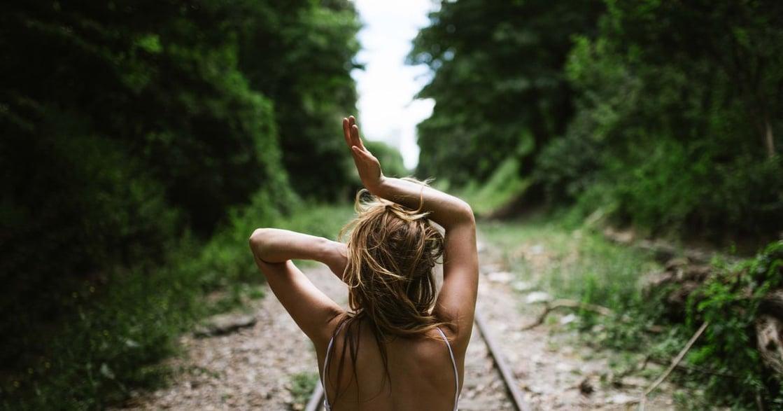 【一個人的派對】旁若無人地活著,讓自己更自由