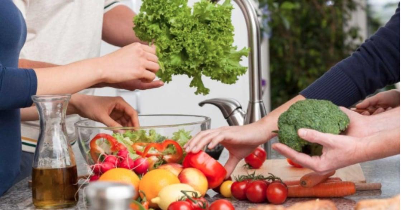 蘋果配巧克力降低高血壓!六組有食物協同效應的食材搭配