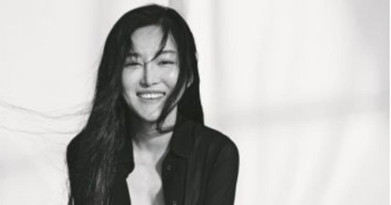 與胸部和解!專訪靳魏坤:從 J 到 E 罩杯,我縮胸是為了更自由