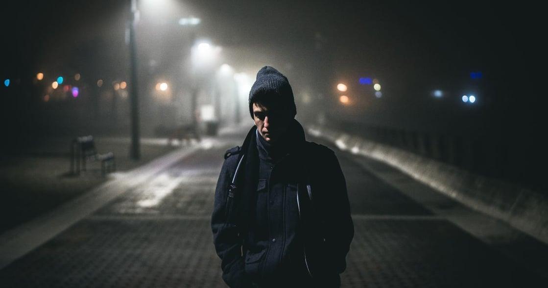 趁年輕時練習孤獨、適應獨處、面對不安