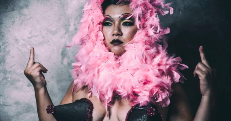 【胖女體解放攝影集】李宜靜:跟女胖子做愛,就叫龍騎士?