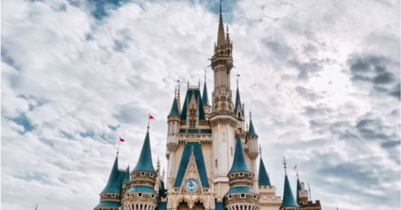 聖誕假期去東京迪士尼!一整個月的主題遊行與煙火投影秀