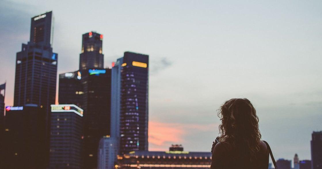 海外來稿|我來異鄉打拼,大家卻告訴我「找個新加坡人嫁了吧」