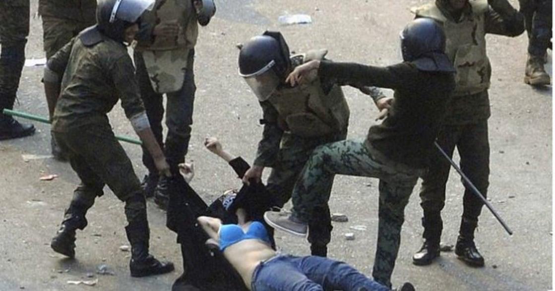 女人的阿拉伯之春:上街爭取公民權,卻遭政府動員暴民撕碎衣服與強暴