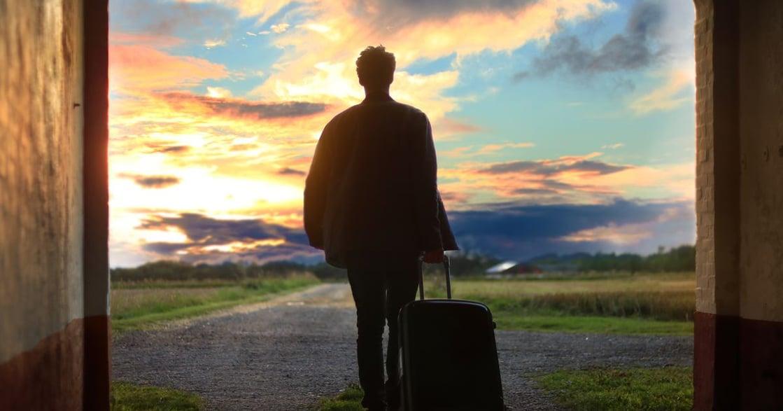 【一個人的派對】飛機上的邂逅:他終究只是希望被需要