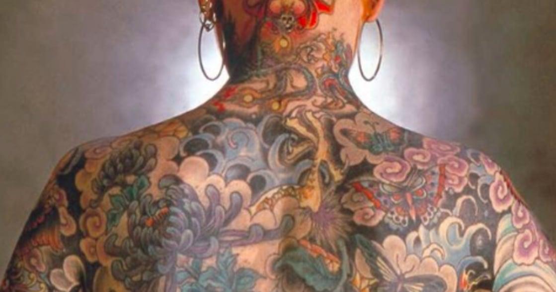 六零年代,她在男性主導的刺青產業,成為第一位女性刺青師