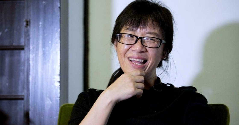 詩被稱為「蕩婦體」,她喚起中國女權之聲,她是余秀華