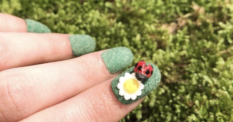 森林系指甲彩繪:替自己種一株療癒的指甲盆栽