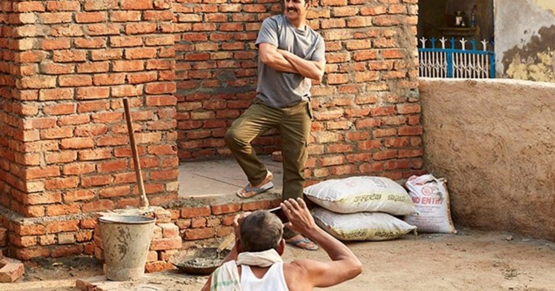 《廁所愛情故事》幫老婆蓋廁所,他挑戰印度的文化禁忌