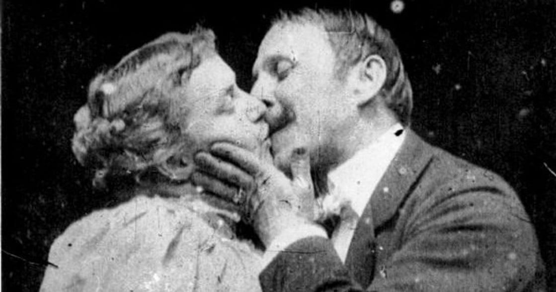 親吻的百年歷史:正是大眾文化,解放了親吻行為