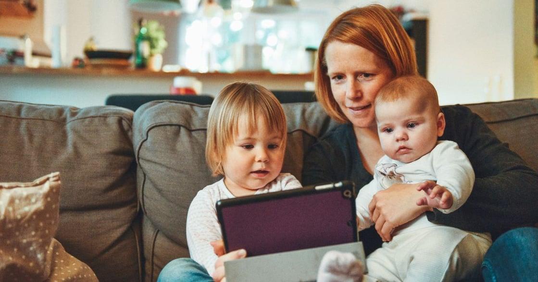 職場母親的誠實告白:生小孩,真的會帶財