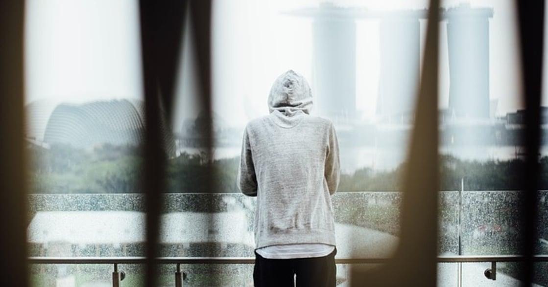 面對家庭創傷:比起原諒父母,你要做的是跟自己和解