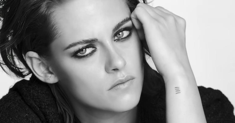 從《暮光之城》到中性形象,Kristen Stewart 改變你凝視她的方法