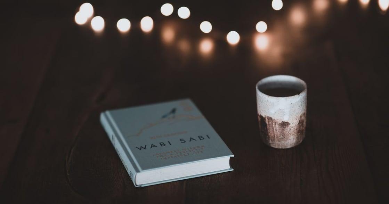 致 25 歲的迷惘書單:如果逃不了世界,就往書裡躲吧