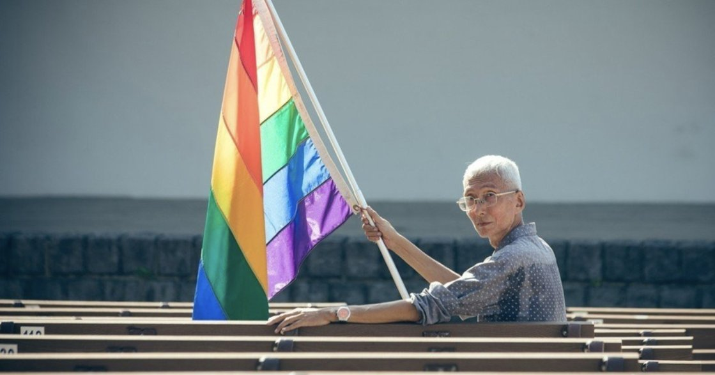 他站在那,揮旗三十年:同婚第一把推手祁家威