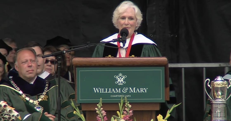 葛倫克蘿絲動人的畢業演說:就算世界要你閉嘴,也別停止質疑