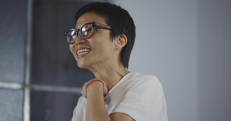 專訪余靜萍:如果不願意認識自己,打燈修片啊,也不會變好