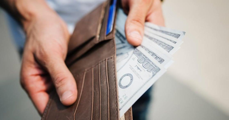 為什麼存錢很難?當薪水膨脹,生活也跟著膨脹