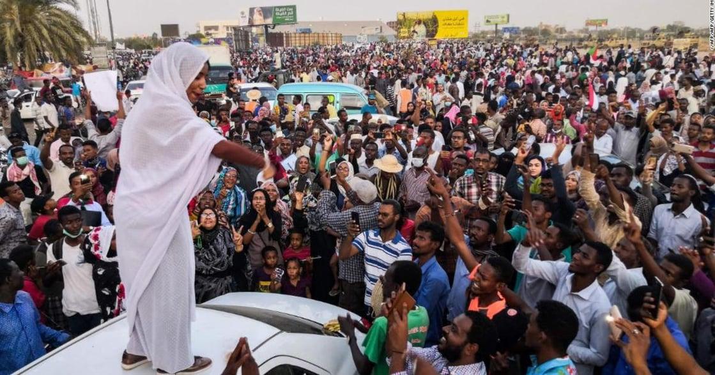 蘇丹軍事鎮壓那一天,我眼睜睜看著少女被強暴:她們不斷尖叫哭泣
