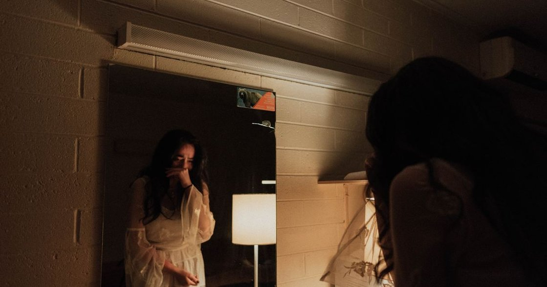 台大熱門課「愛情社會學」:傷心就哭,不然發明眼淚幹嘛?