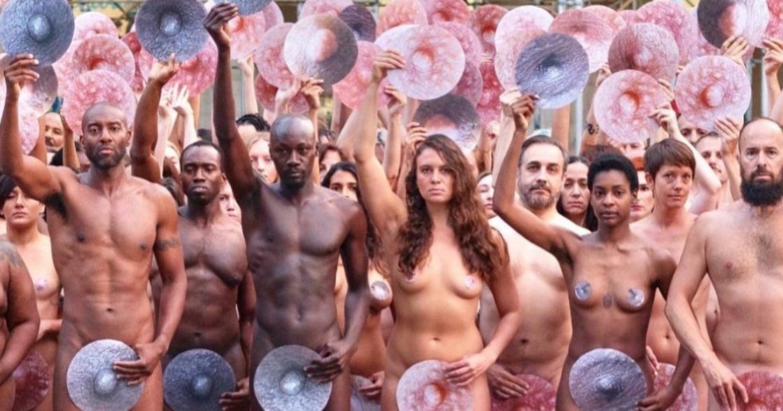 「禁止女性露乳頭」紐約百人於臉書總部露點抗議
