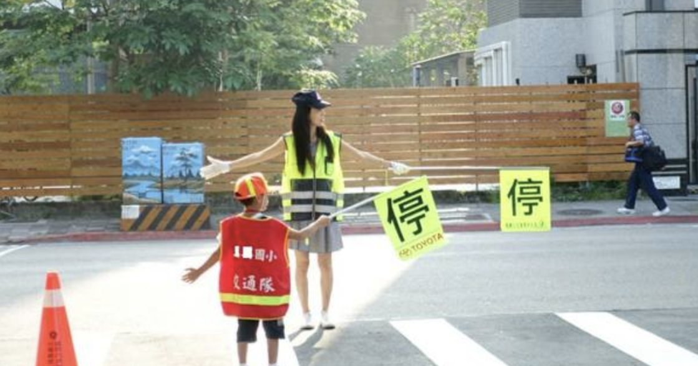 他們說孩子的成長只有一次:難道去上班就是「壞媽媽」?