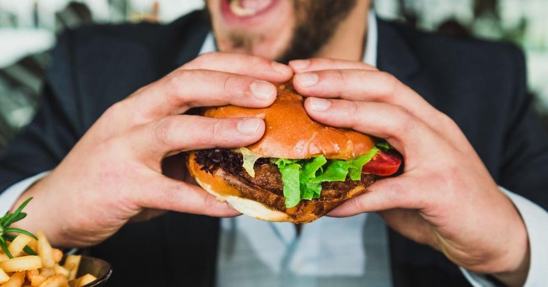 你吃的飯麵,真的比漢堡健康?那些年,被誤會的「垃圾食物」們