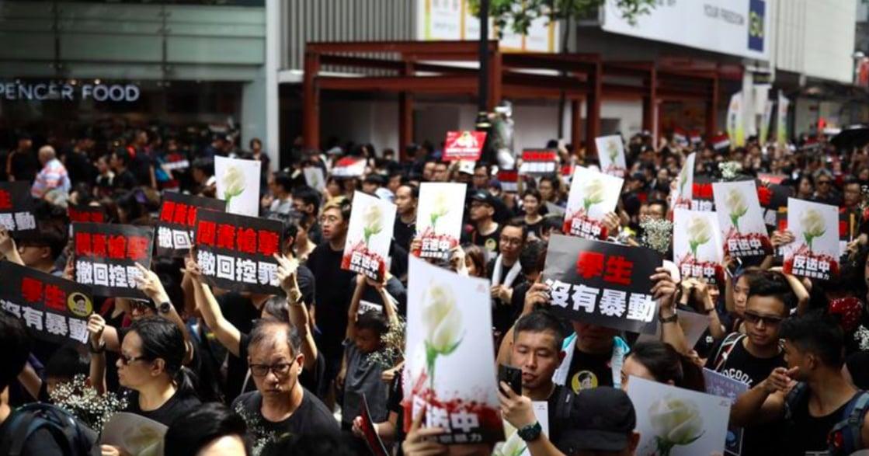 給香港少年少女:我們在最壞的時代生活,也在最好的時代反抗