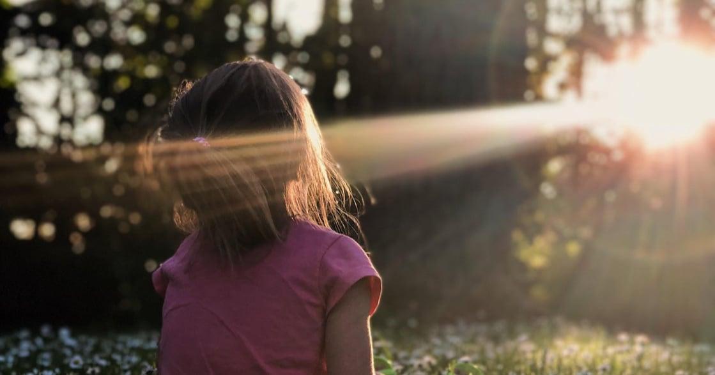 「你可以好好地同情自己」理解過去,不代表你是耽溺曾經