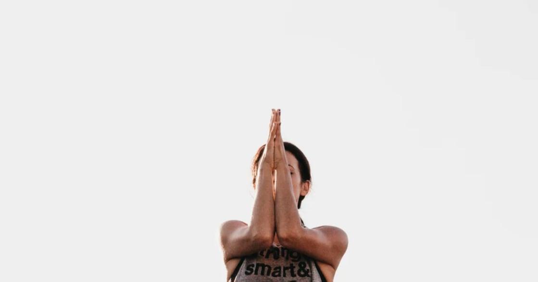 現代人的練習|兩招身體瑜伽,釋放累積一年的壓力與恐懼