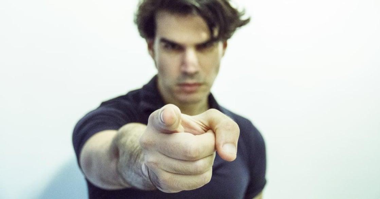 「不論你做什麼,總有人討厭你」個體心理學:如何面對他人的眼光?