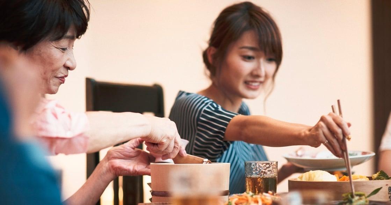 餐桌上的心理學:為何你對家人總是隔著距離,卻又無法放棄? 好好說頓飯難嗎?