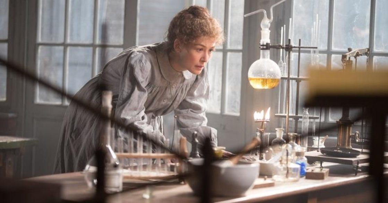別叫我波蘭蕩婦! 《居禮夫人:放射永恆》:諾貝爾獎得主的成就與她的情愛