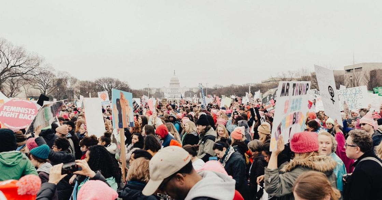 當女性主義者被視為「正義戰士」,北美女性主義發展進程,給我們什麼啟示?