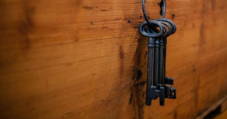 給都會女子寫情書|三十歲後,該為自己打造「三把鑰匙」