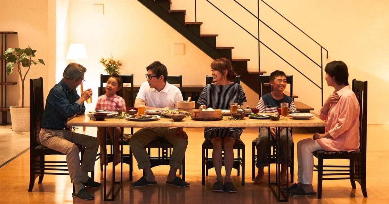 明明彼此相愛,為何家人在餐桌上卻充滿無奈?如何創造真誠的餐桌?
