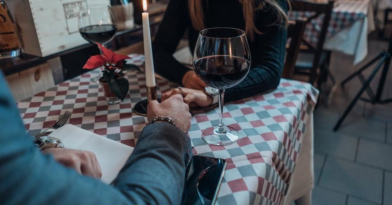 關係經營學:一對夠現代的情侶,就一定要採取 AA 制嗎?