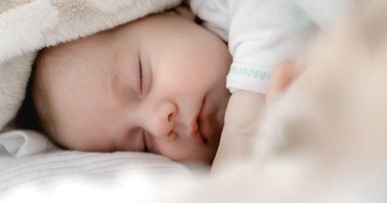 寶寶總是要人哄睡?讓孩子自行入睡的三大技巧(下)