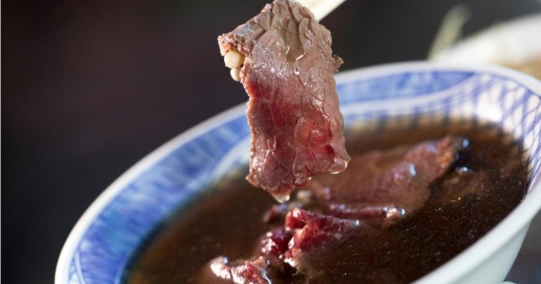 台南三百家牛肉湯,哪家最好?旅遊達人游智維推薦這一間搭配獨門辣醬!