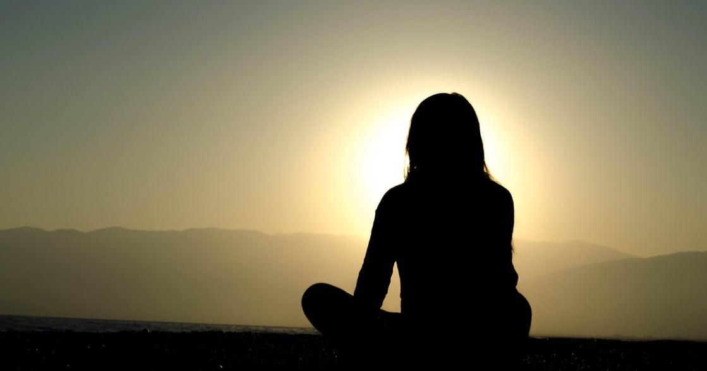 不再為負面情緒貼標籤!掌握「自我疼惜」三元素,溫柔地和自己在一起